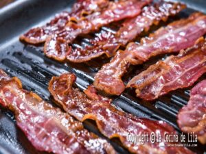 Cómo hacer bacon crujiente o tocino crujiente