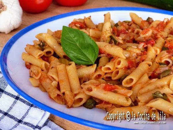 Macaroni with tuna and vegetables